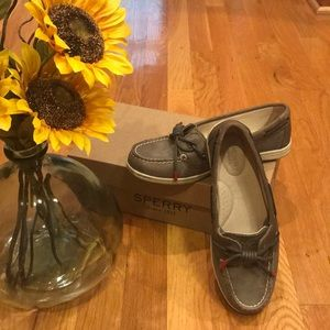 Sperry Barrelfish Taupe Ladies Shoes - 6.5